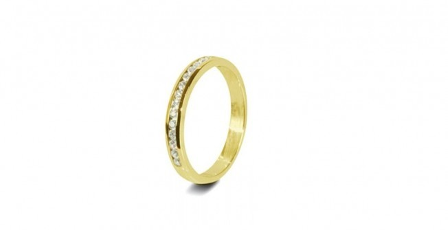 Wedding Rings for Women  in Llanerfyl